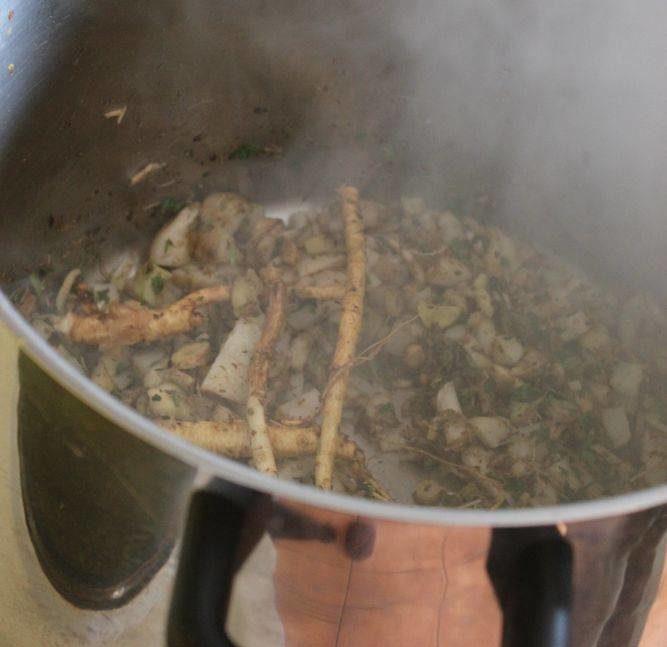 Frühjahrssuppe kochen